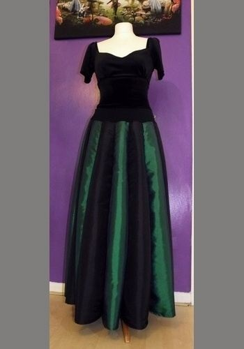 Lunalily Skirt in Black and Forest