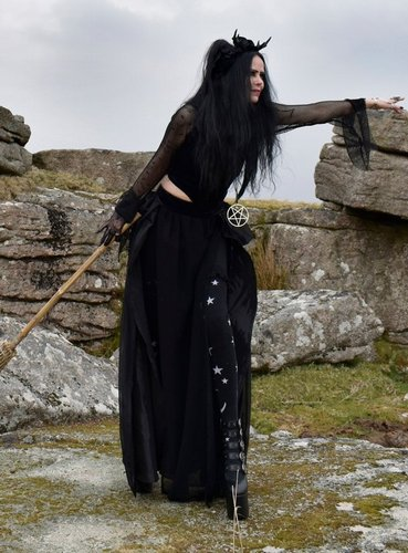 Broommaiden Skirt